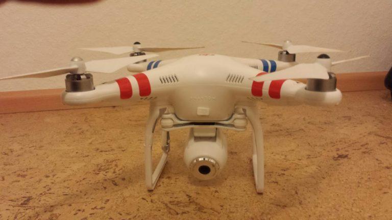 Quadcopter: DJI Phantom 2 Vision